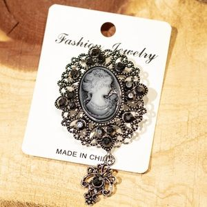 Cameo- new Brooch with dangle